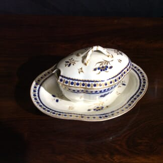 Caughley sugar syrup tureen & stand, C.1785 -0